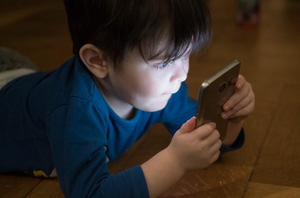 dipendenza da cellulare ragazzi